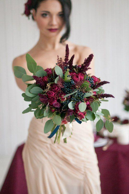 Cвадебное оформление в цвете Марсала | 19 фотографий