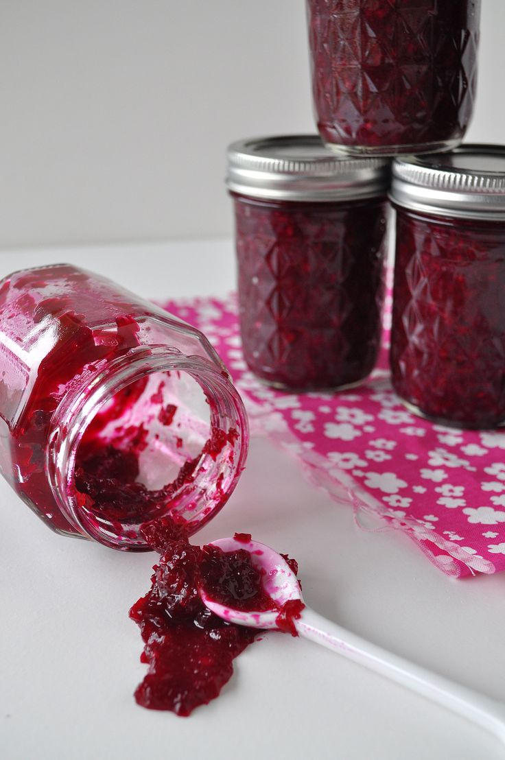 Canned beet marmalade