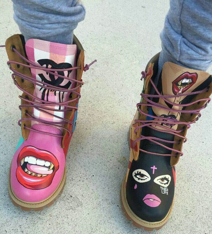 Crazy boot works of art!!  Lips, Lip Art, Boots, Women's Fashion, Teen Fashion, Shoes, Red Lips