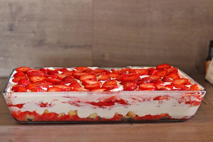 Verpassen Sie kein Rezept, folgt uns auf Facebook, klicken sie hier.              Zutaten     1 kg  Erdbeeren  160 g  Pude...