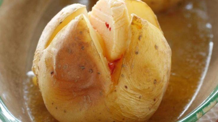 Oppskrift på Bakt potet med chilismør