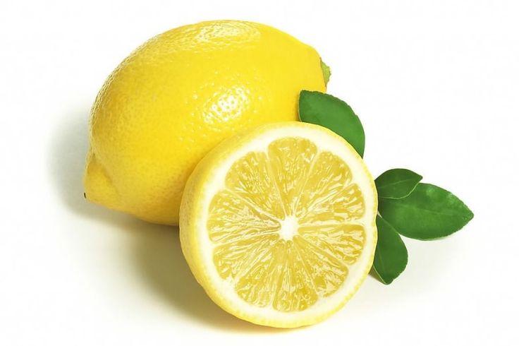 Рецепт сладкого соуса из лимона  1 столовая ложка меда 3 чайных ложки лимонного сока 1 чайная ложка тертой цедры лимона Все смешайте и полейте соусом фрукты или добавьте в низкокалорийный йогурт