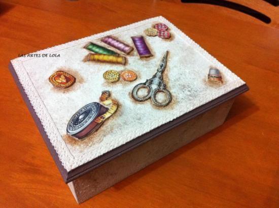 costurero caja de hilos madera acrilicos pasta,puntilla papel decoupage imaginacion