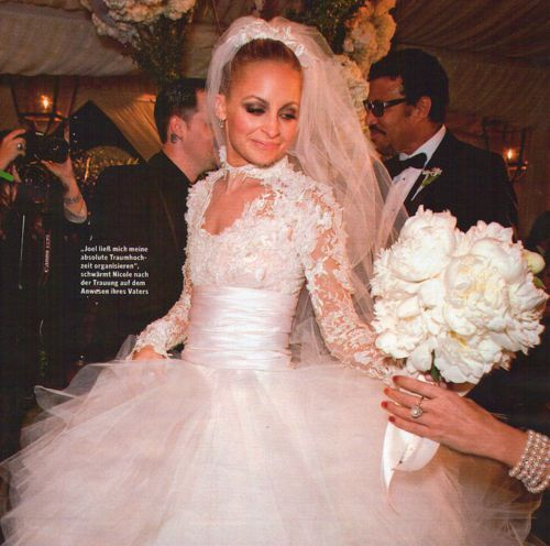 Kelly Caresse | Celebrity bruiden inspiratie : De steren en hun bruidsjurken Nicole richie trouwjurk