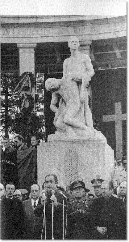 Monumento a los caídos en Barcelona de 1951 -Dinamitada por separatistas catalanes en 2001,restaurada y enviada al museo nacional de Cataluña-