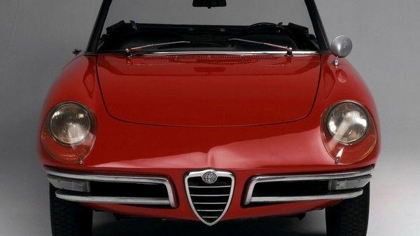 1966 Alfa Romeo Spider Duetto  #cars #coches #carros