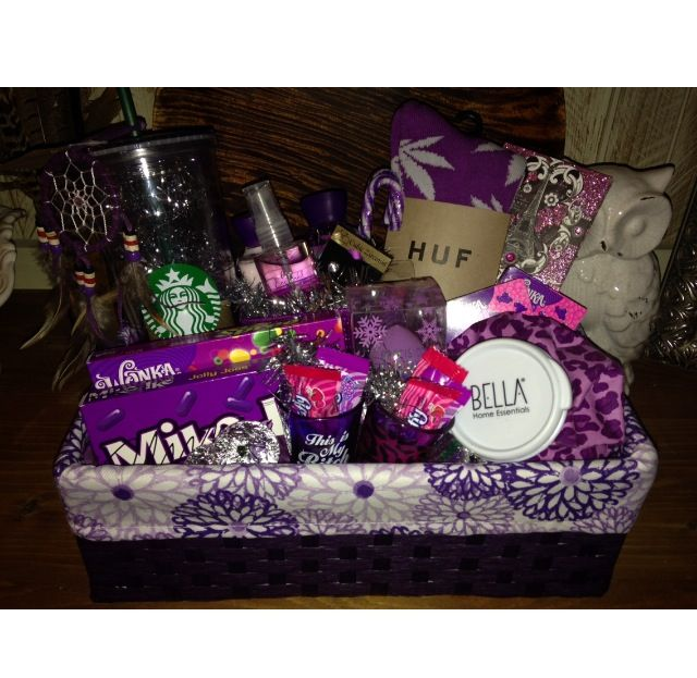 DIY Gift Basket For Girlfriends - Super Cute!