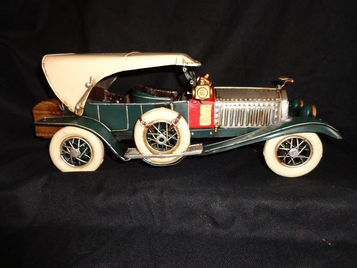 2013 Cadillac Crown Landaulet Funeral Coach By Armbruster Stageway