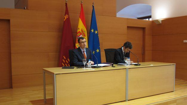 Acuerdo con la UMU para impulsar la Cátedra de Responsabilidad Social Corporativa http://www.teinteresa.es/region-de-murcia/murcia/Acuerdo-UMU-Catedra-Responsabilidad-Corporativa_0_1051095854.html