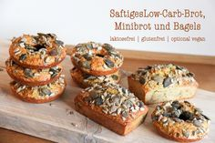 Saftiges glutenfreies, glutenfreies Low-Carb-Brot, Minibrot oder Bagels
