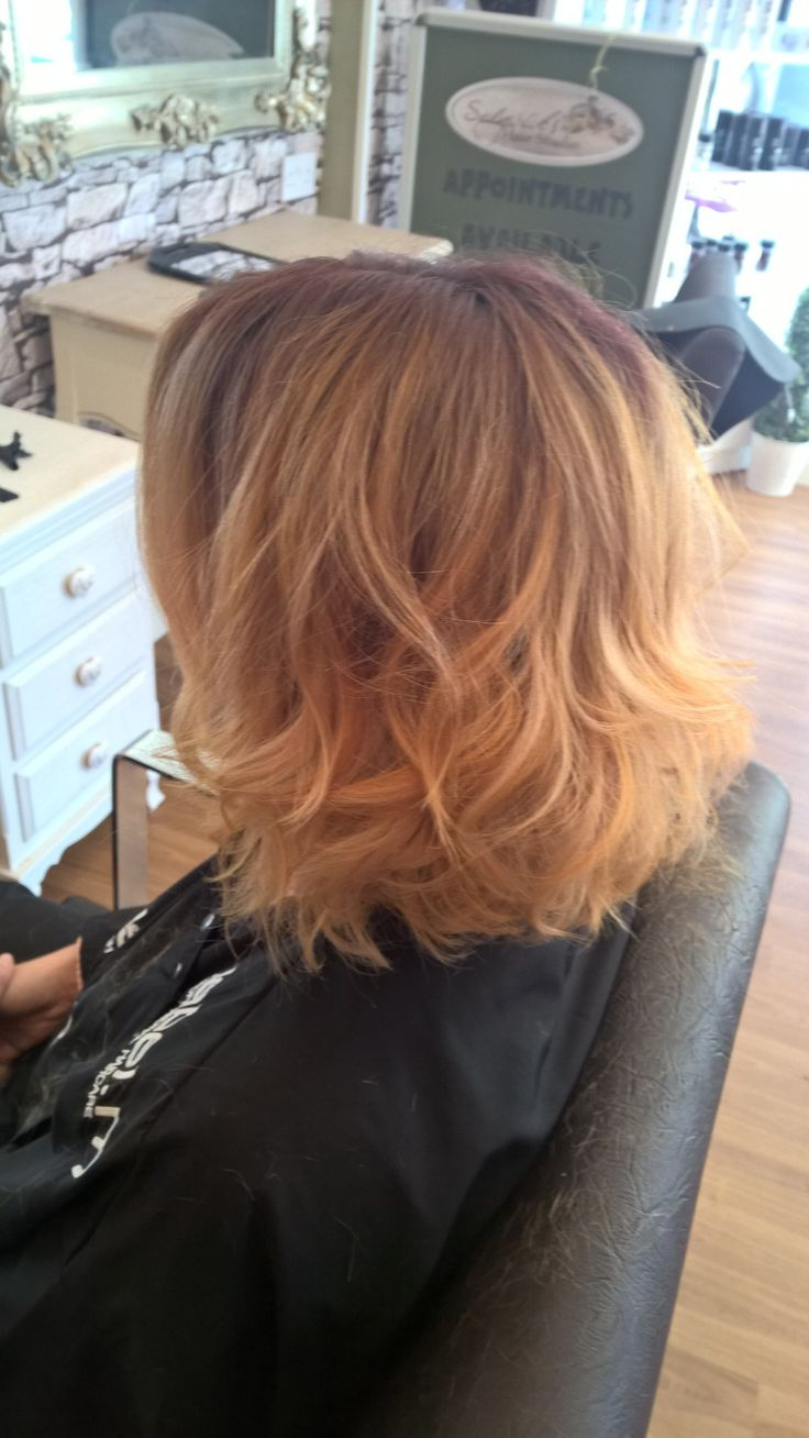 Love this rose gold look for autumn/winter lovely waves. Great look for mid length hair.