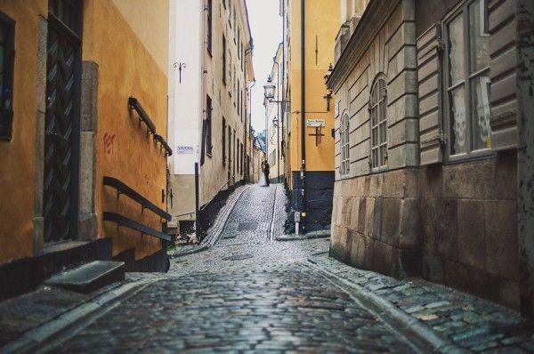 Wedding Couple, old town Stockholm Sweden - Ditt Bröllop