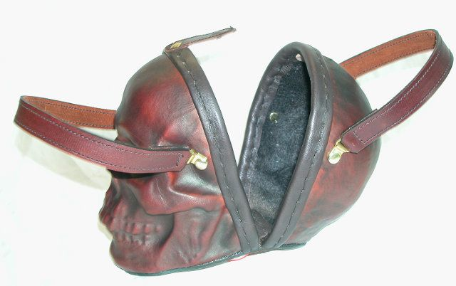 It's not a purse...It's a man-bag...and  a fierce looking one at that! skull-purse-5.jpg