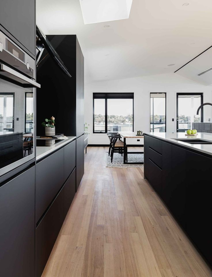5 fail-safe ways to create a kitchen that looks great in open plan living