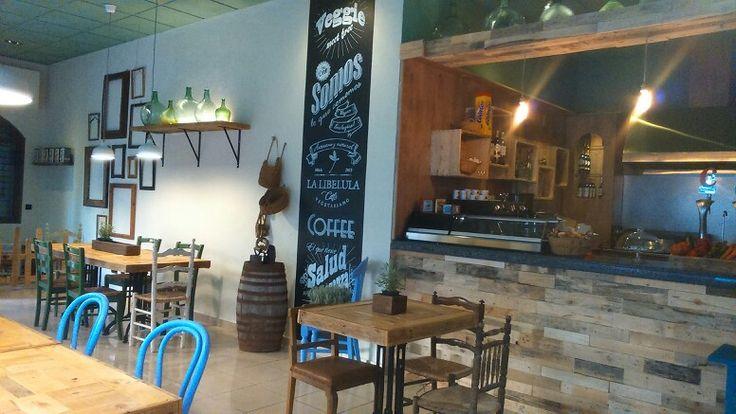 Decoraci n restaurante vegetariano vegano fuengirola for Mobiliario cafeteria