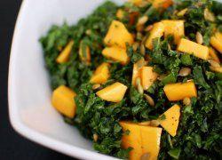Ensalada de Col Rizada o Kale con Mango y Pepitas