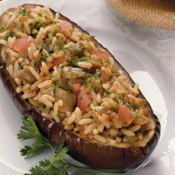 http://www.guiainfantil.com/recetas/verduras/asadas-a-la-plancha-y-salteadas/berenjenas-rellenas-de-arroz-y-verduras-receta-vegetariana/