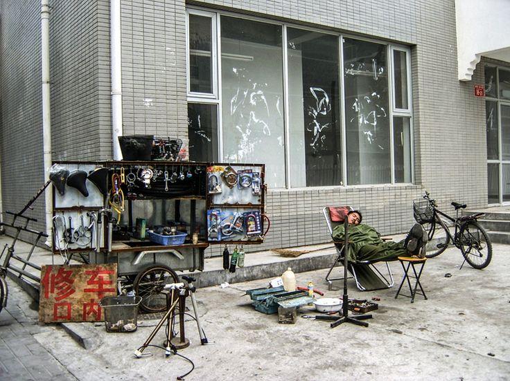 Beijing cycle repairer