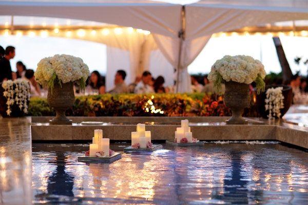 floating pool decorations | Floating pool decor. LOVE.