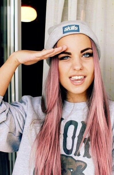 Pink hair blue eyes eyebrows beauty hair makeup for Rosa augen