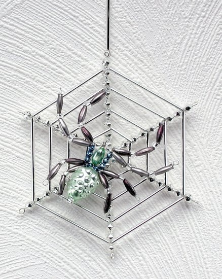 Beaded Spider Web Charlotte's House - Click Image to Close
