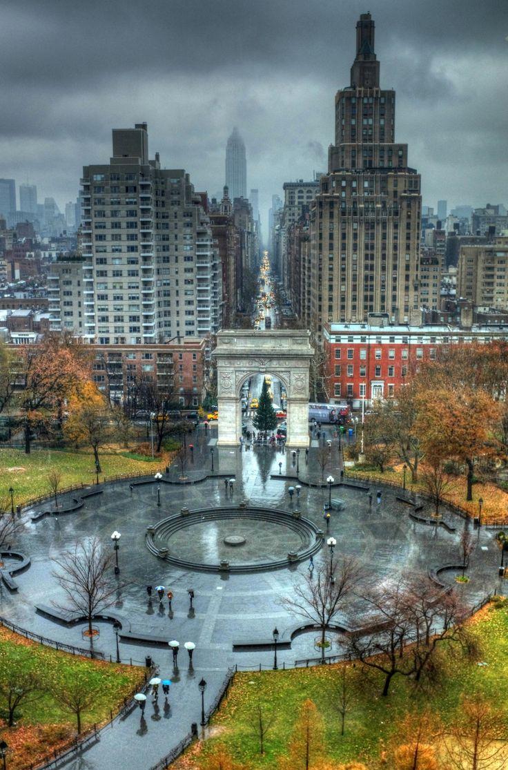 NYC. Wintry scene at Washington Square Park