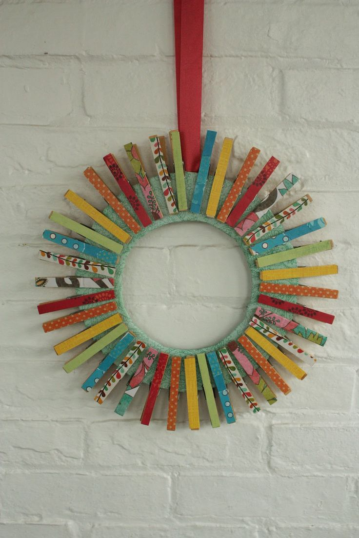 Katydid and kid colorful summer clothespin wreath tutorial could use washi tape