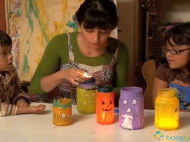 Cómo hacer calaveras de Día de muertos con niños usando azucar en polvo y leche condensada- BabyCenter