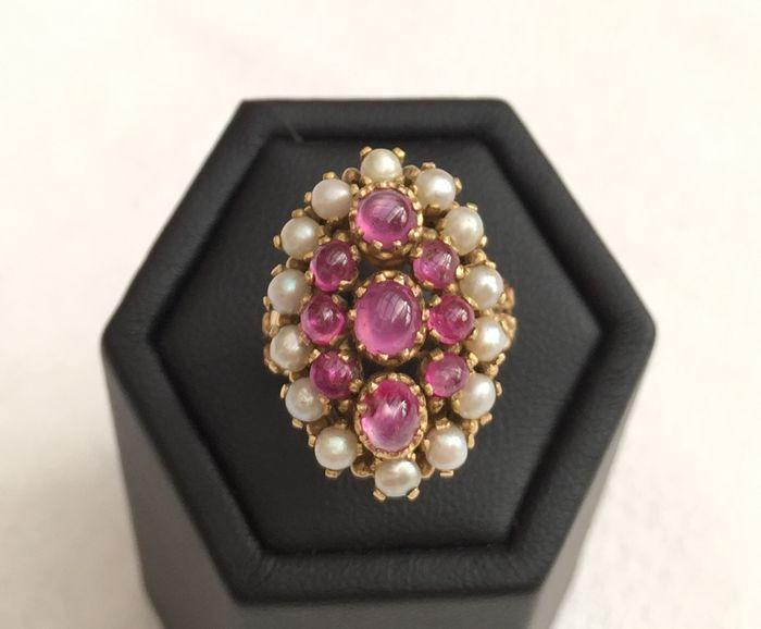 Online veilinghuis Catawiki: Schitterende Victoriaanse ring van 18 kt goud versierd met parels en 2,5 ct robijnen