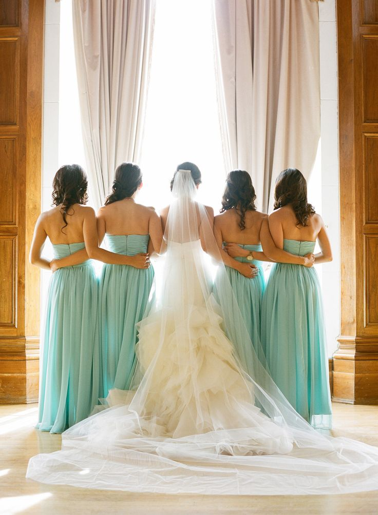 Bridesmaids in aqua Esther Sun Photography - esthersunphoto.com @Megan Ward Ward Garcia-Leavitt love the color!!