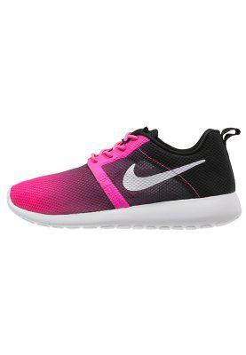 Roze Sneakers Nike Sportswear ROSHERUN Flicht WEIGHT Sneakers laag roze pow wit zwart Kinder maat 32 35 5 36 5 37 5 38 38 5 « Roze sneakers dames en roze kinder sneakers