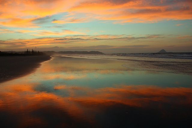 This was one beautiful Sunset tonight at Ohope Beach, New Zealand by Quiltsalad, via Flickr