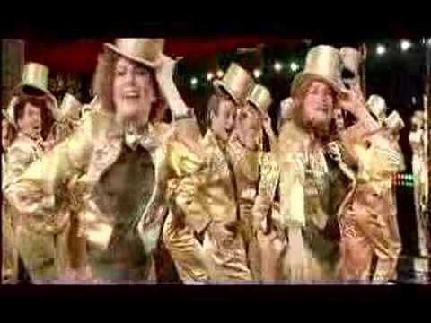 A Chorus Line (Final/One). A Chorus Line - One ( Finale) E' un film del 1985, diretto da Richard Attenborough. Lo screenplay, di Arnold Schulman, è basato sul libretto dell'omonima produzione teatrale del 1975 che vinse 9 Tony Award di James Kirkwood e Nicholas Dante. Le canzoni sono state composte da Edward Kleban e Marvin Hamlisch.