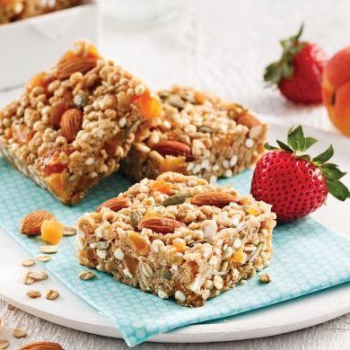 Carrés au millet soufflé, abricots et amandes - Recettes - Cuisine et nutrition - Pratico Pratiques