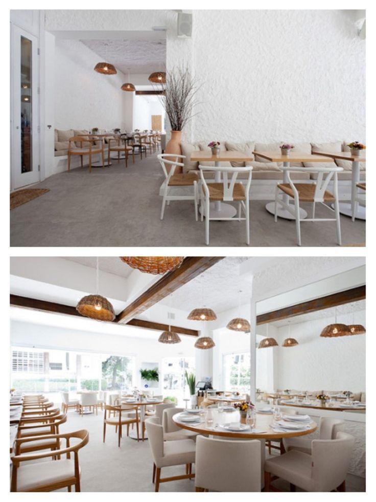 Localizado em São Paulo, este restaurante grego foi projetado para que o…