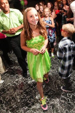 Pretty Bat Mitzvah dress! Check out the feet! It was a tennis theme. Bat Mitzvah dresses | Big Fashion Show bat mitzvah dresses