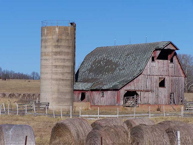 15 Best Silo Images On Pinterest Barn Barns And Res Life