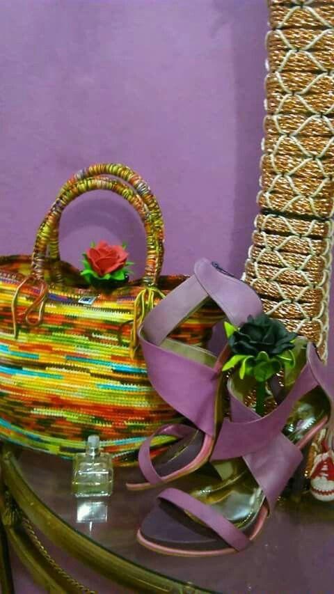 bolsa Crochetsruth fiz com 7 novelos mescla Anne. interno arame-corda coberto de PVC facebook Crochetsruth Vestuario