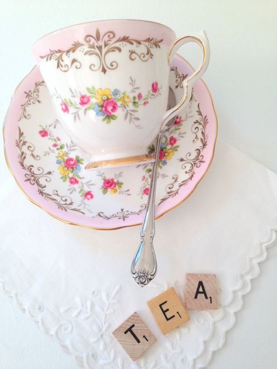 Vintage Queen Anne English Bone China Teacup and Saucer.