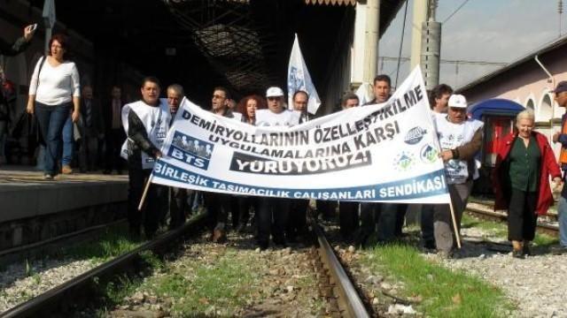 Demiryolu çalışanları Ankara'ya yürüyor