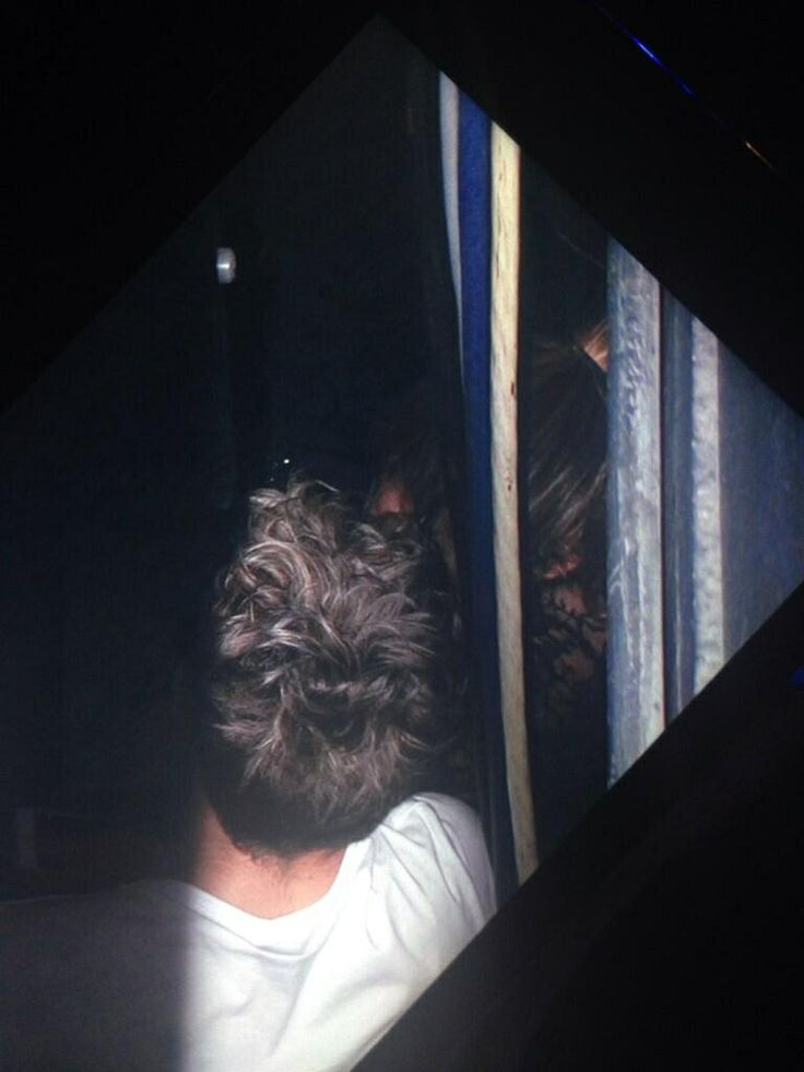 niall and barbara (apparently) kissing... oh