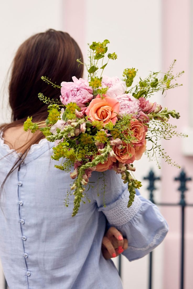 Couple Holding Bouquet The Flower Trends you Need to Know
