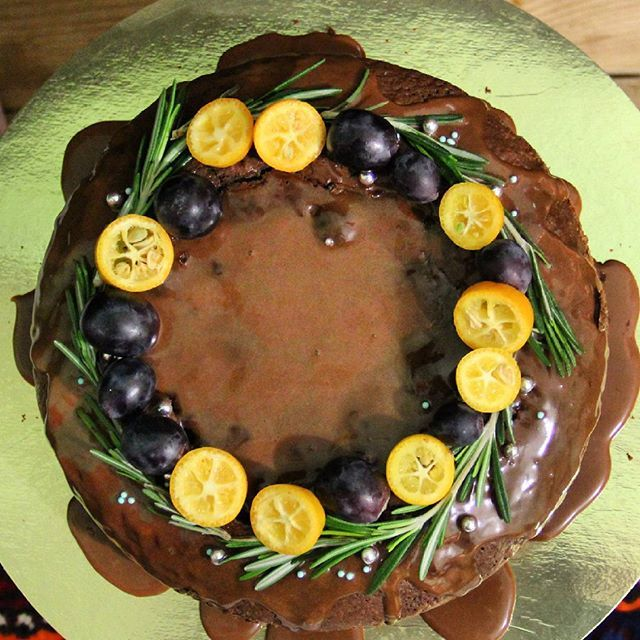 Еще одна трудовая неделя🙋 Когда уже выходные😸  #dessert #food #desserts #yum #yummy #amazing #instagood #instafood #sweet #chocolate #cake #dessertporn #delish #foods #delicious #tasty #hungry #foodpics #sweettooth  #cakestagram #instacake #dag_cake #выпечканазаказвмахачкале #выпечкавмахачкале