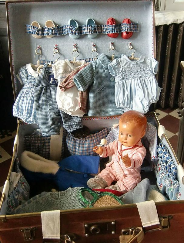 Oh, just look at that sweet little wardrobe! Love! ~ CIMG5642