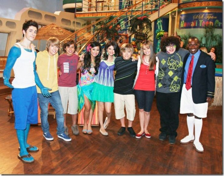 selena gomez the suite life on deck photos | stars a go go page 1