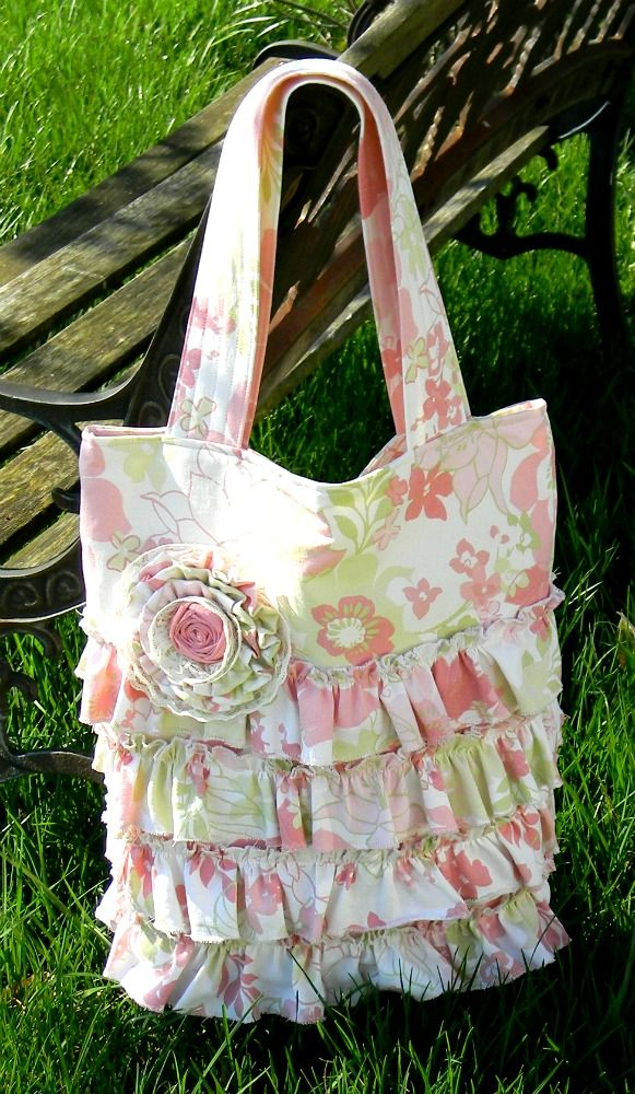 """FREE project: """"Ruffle Tote"""" (from Vibrant Designs)"""