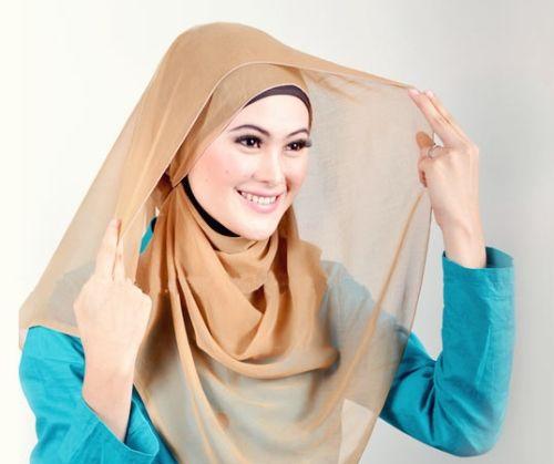 4 Tutorial Hijab Lebaran Bergaya Simple Namun Elegan - http://aimynasywa.com/2016/06/4-tutorial-hijab-lebaran-bergaya-simple-namun-elegan.html