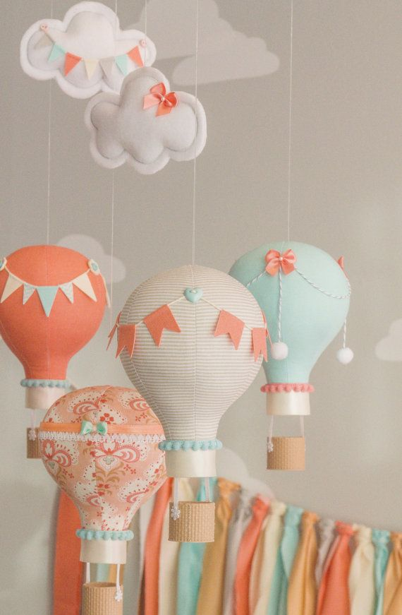 Caliente aire globo bebé móvil Coral y Aqua por sunshineandvodka