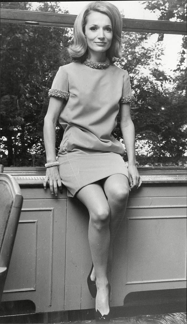 Many argued that Lee Radziwil, sister of Jackie Kennedy, matched her more famous sibling's beauty