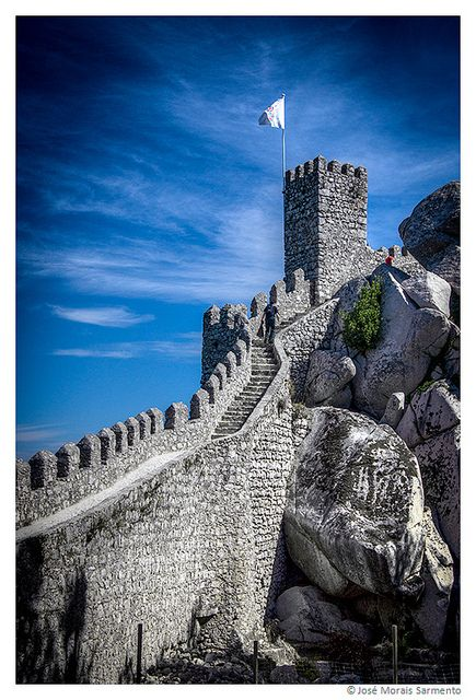 Castle of the Moors on the top of the Mountain - Sintra #Portugal